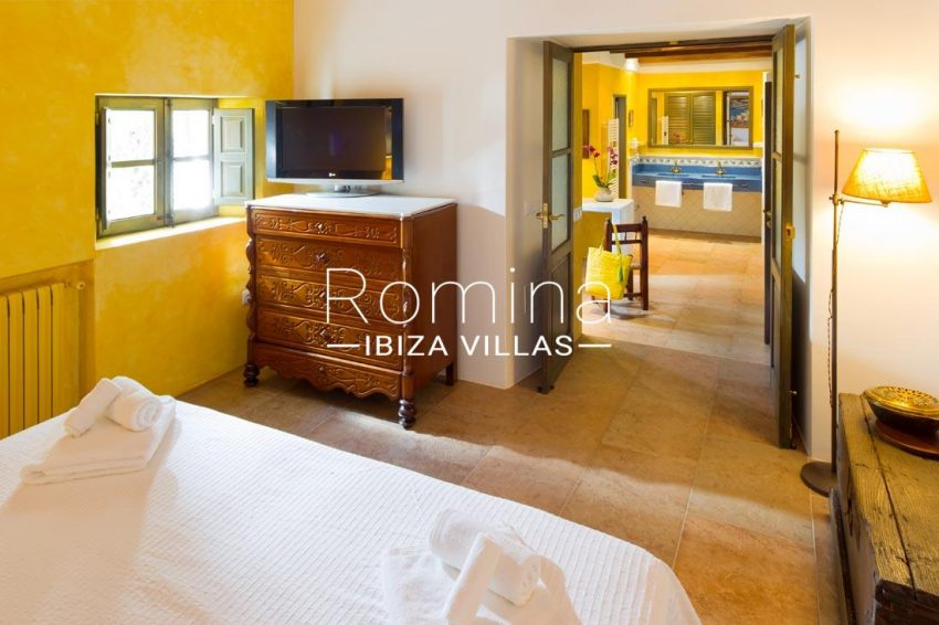can vicent rafal ibiza-4bedroom yellow