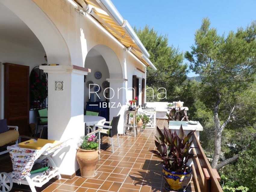 casa heki ibiza-2terrace porch