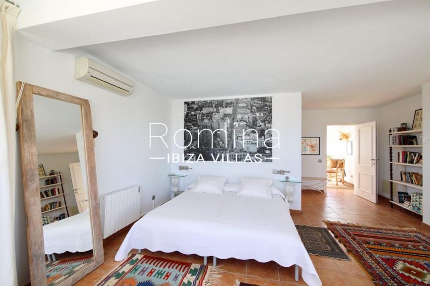 casa tomeo ibiza-4master bedroom2