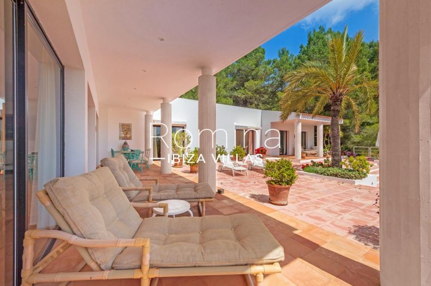 villa micha ibiza-2porch lounge