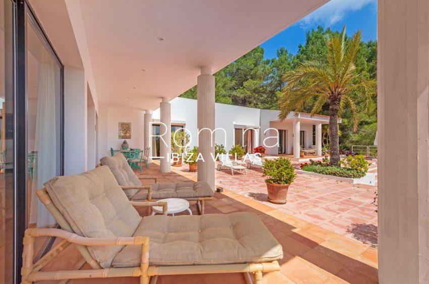 villa micha ibiza-2porch lounge
