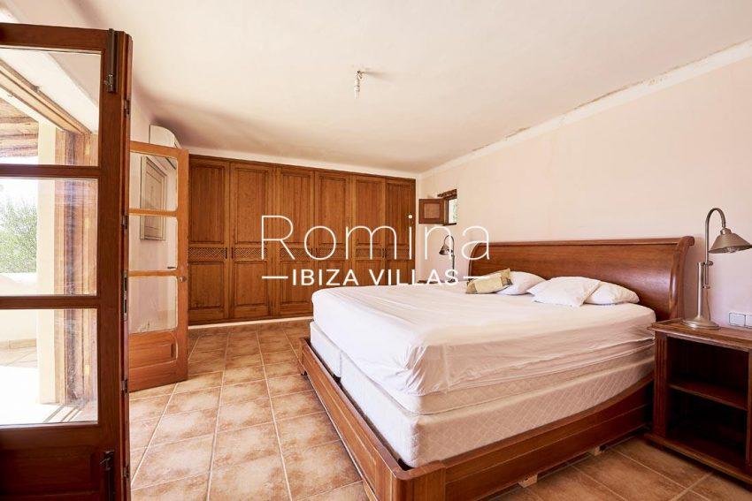 villa samani ibiza-4bedroom2 wardrobes