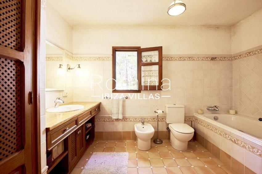 villa samani ibiza-5bathroom