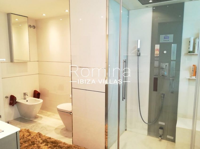 apartamento miramar-5shower room2