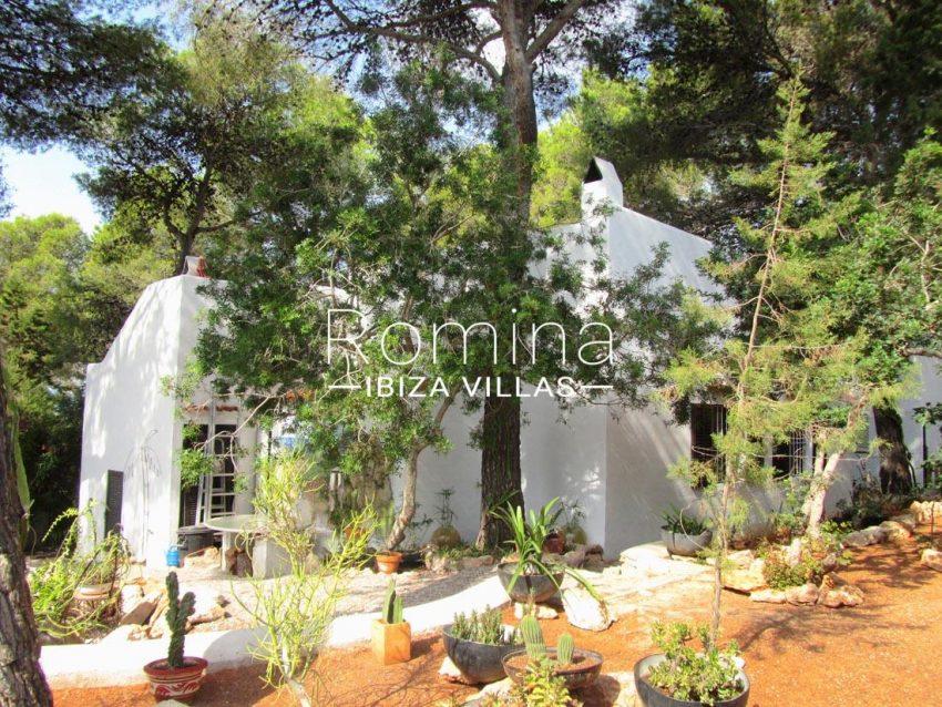 casa carl ibiza-2facade trees