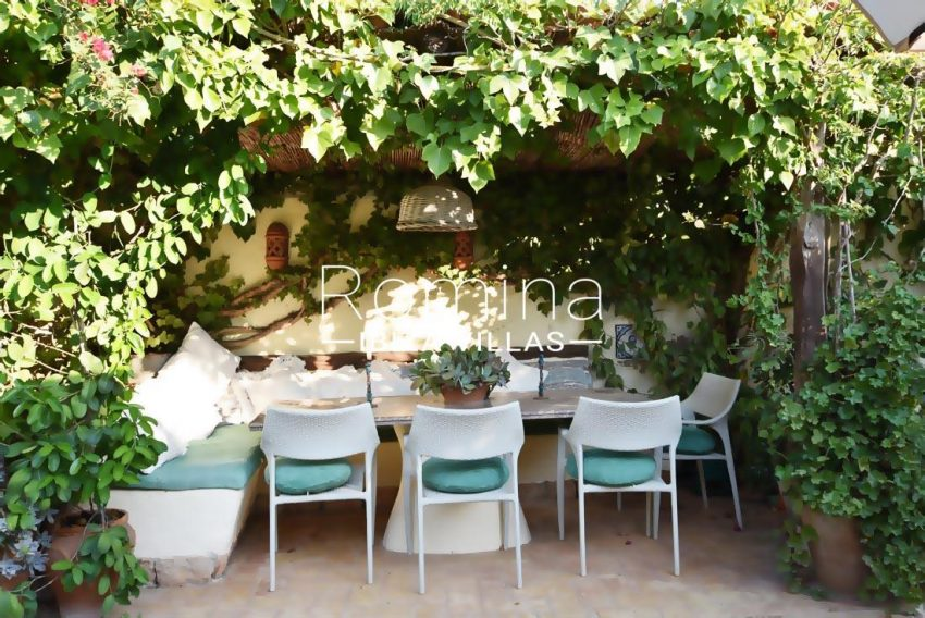 casa hiedra ibiza-2porche ivy