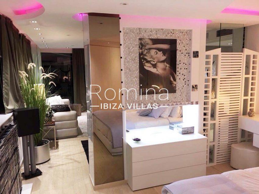 loft ibiza-4bedroom living room