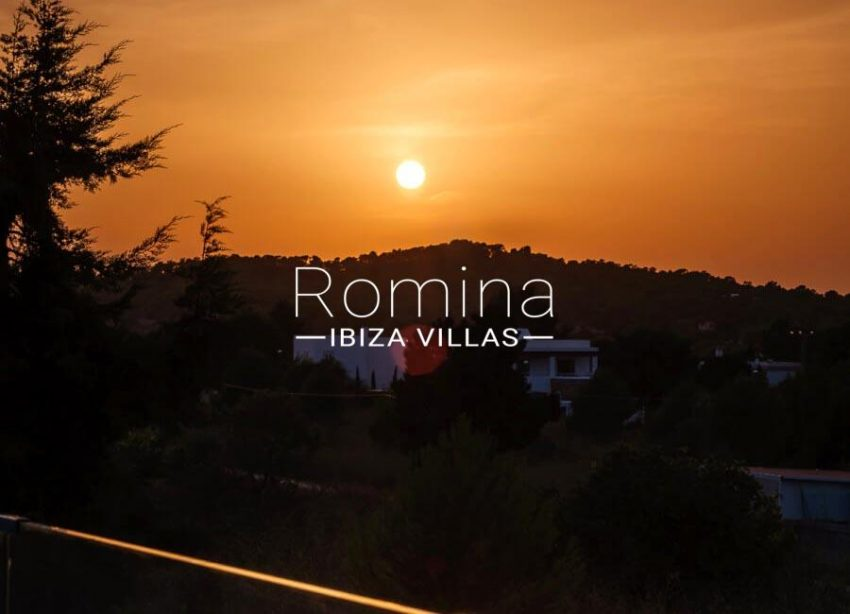 romina-ibiza-villa-re-386-82-villa-blanca-1sunset