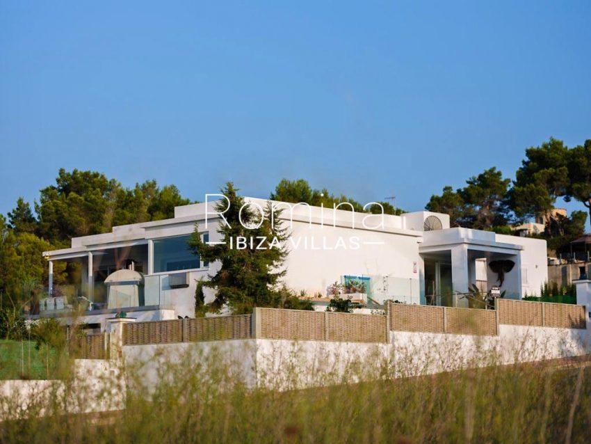 romina-ibiza-villa-re-386-82-villa-blanca-2facade3