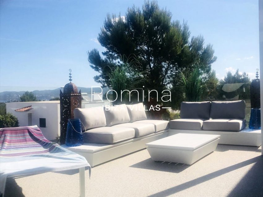villa blanca ibiza-2terrace stting area