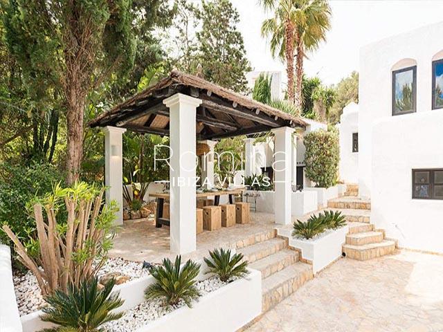 villa tara ibiza-2pergola dining area3