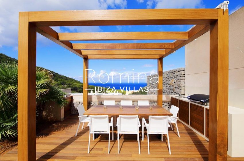 adosado dragon ibiza-1pergola dining table sea view