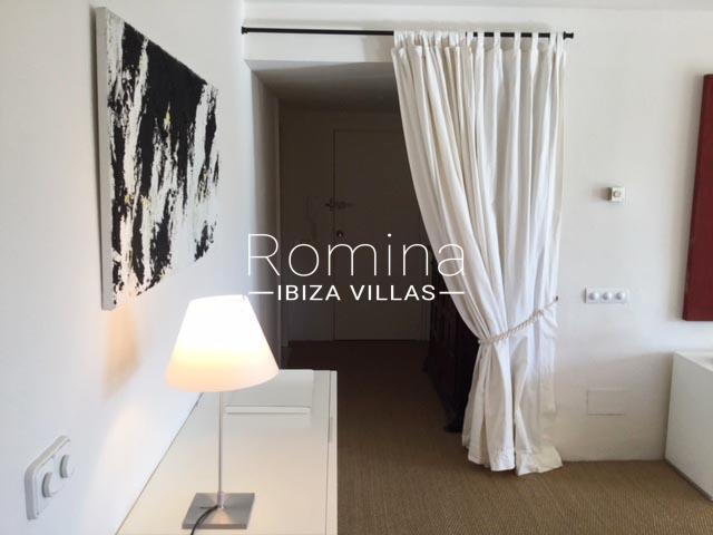 apartamento itsas-3curtain entrance