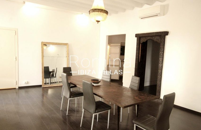 apto plaza ibiza-3dining room3
