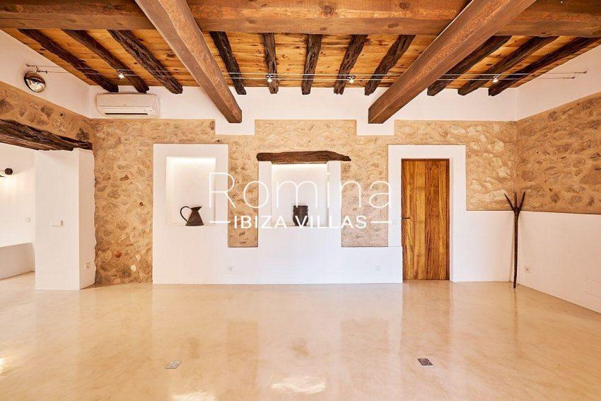 can guita ibiza-3living room