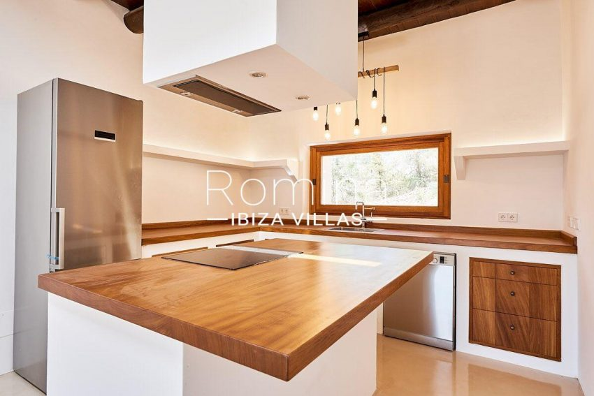 can guita ibiza-3zkitchen3