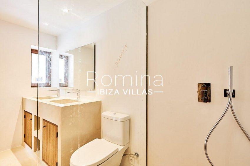 can guita ibiza-5shower room2