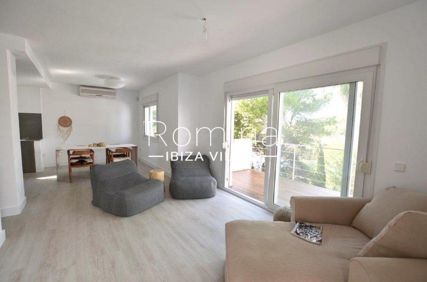 casa playa vistas ibiza-3living room terrace