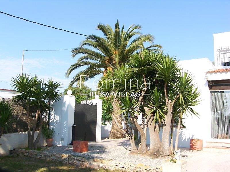 casa yucca ibiza-2entrance facade