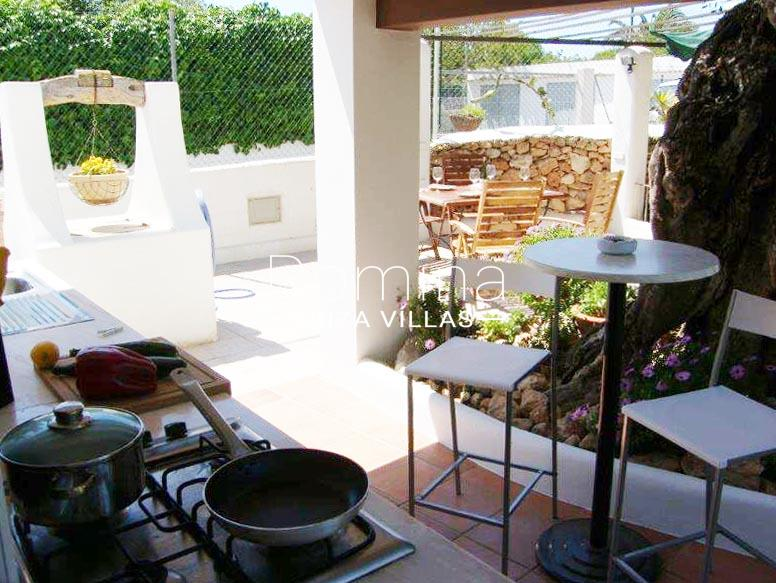 casa yucca ibiza-2outdoor kitchen diningarea