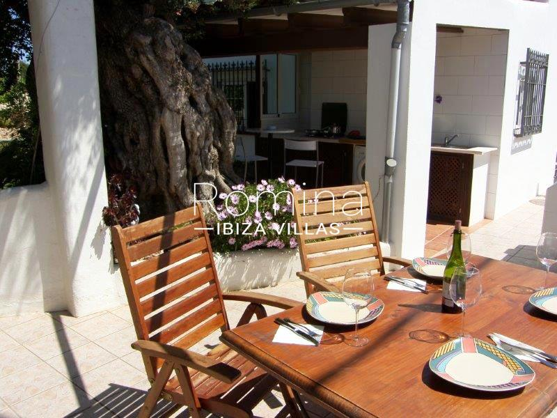 casa yucca ibiza-2terrace dining area