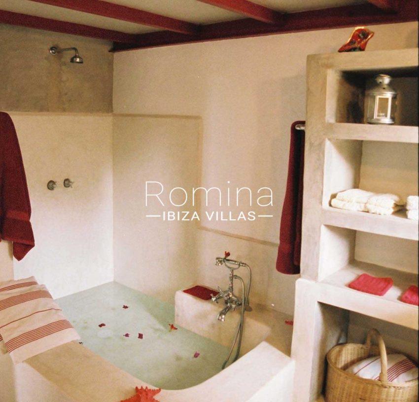 loft yundal ibiza-5bathroom1