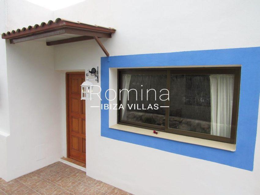 villa mikel ibiza-2facade entrance