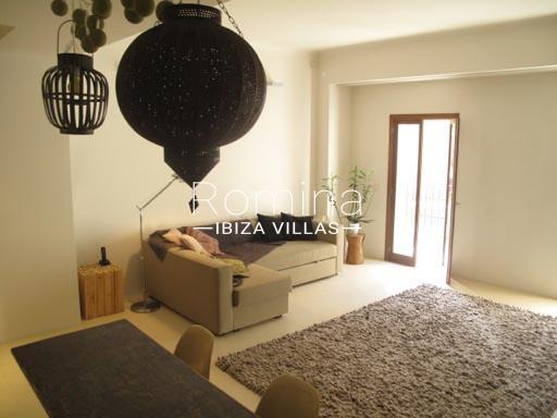 apto patio ibiza-3livingroom2