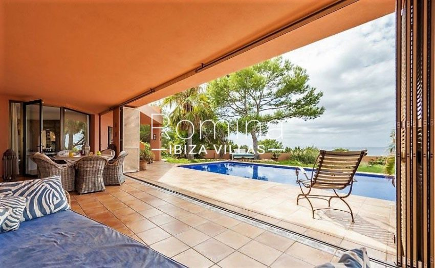 can hoki ibiza-3living room terrace pool