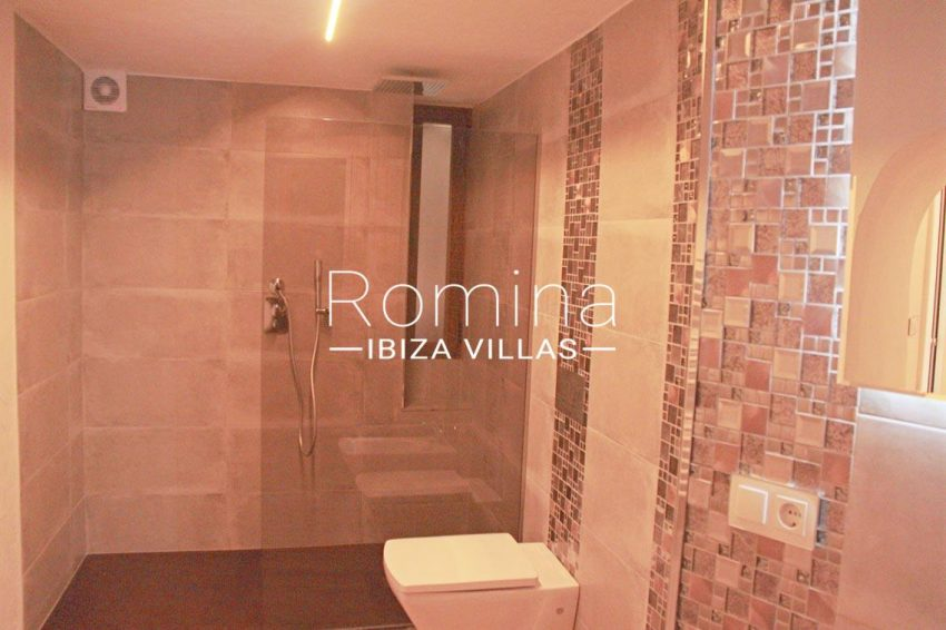 casa vila ibiza-5shower room