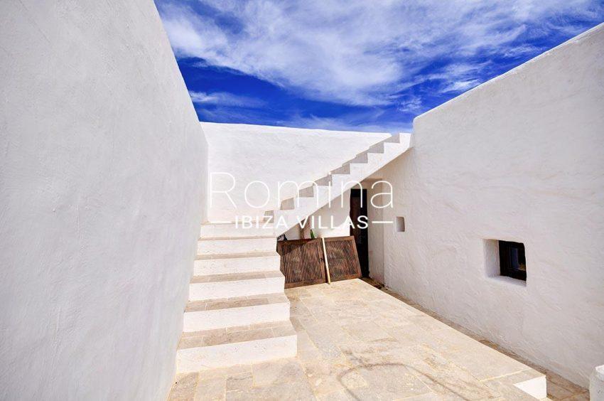 finca cala ibiza-2patio stairs