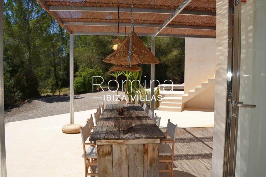 villa design ibiza-2pergola terace diningarea