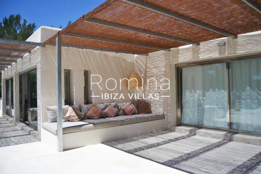 villa design ibiza-2pergola terrace banquettes
