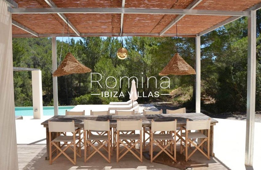 villa design ibiza-2pergola terrace dining area