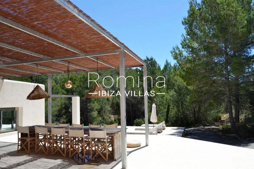villa design ibiza-2pergola terrace dining area2