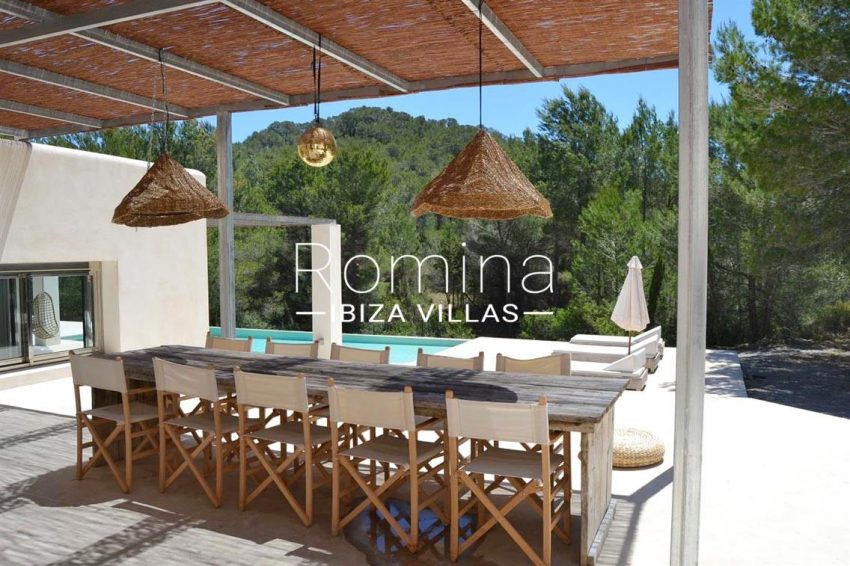 villa design ibiza-2pergola terrace dining area3