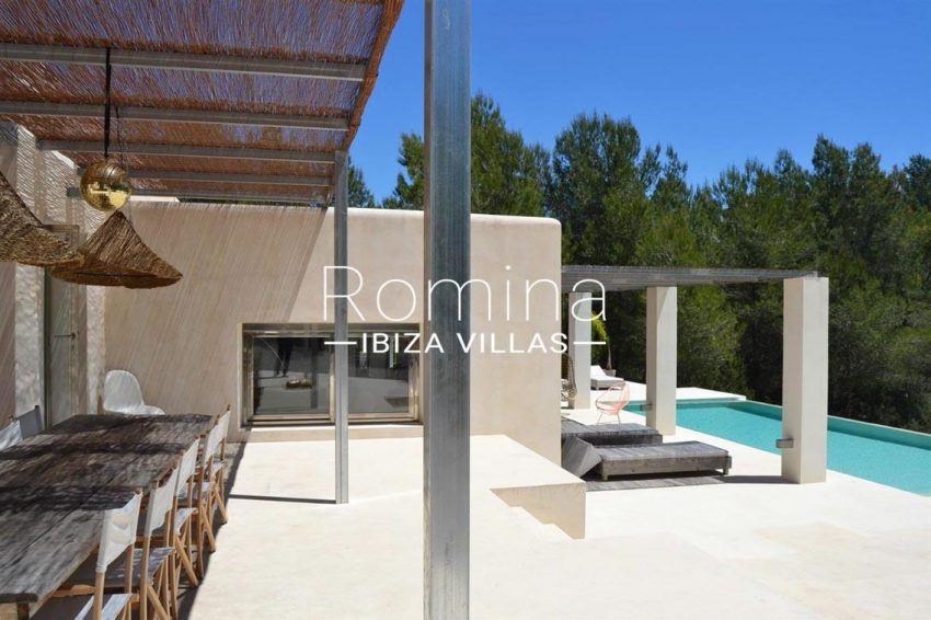 villa design ibiza-2pool terrace dining area2