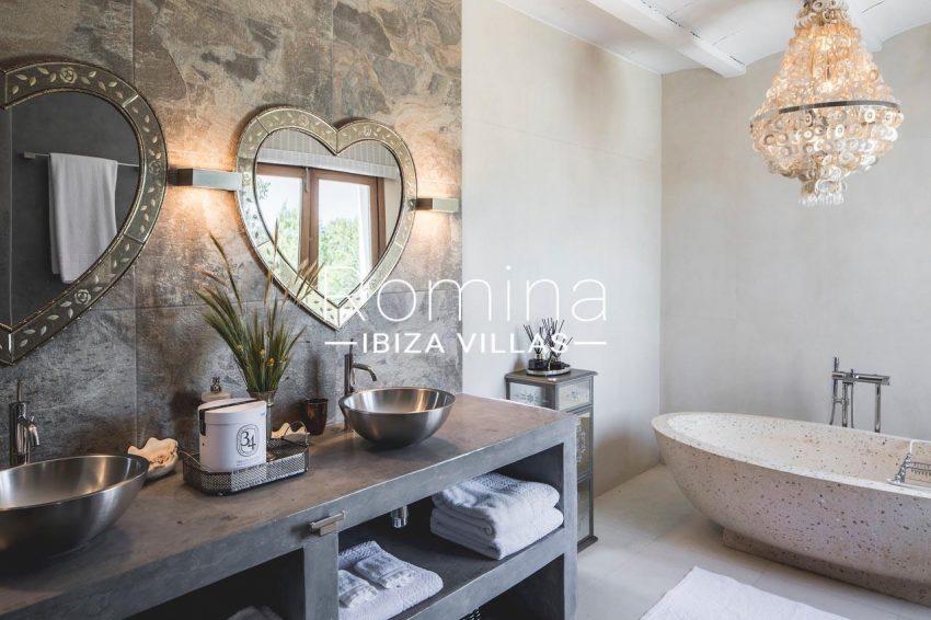 villa everland ibiza-5bathroom