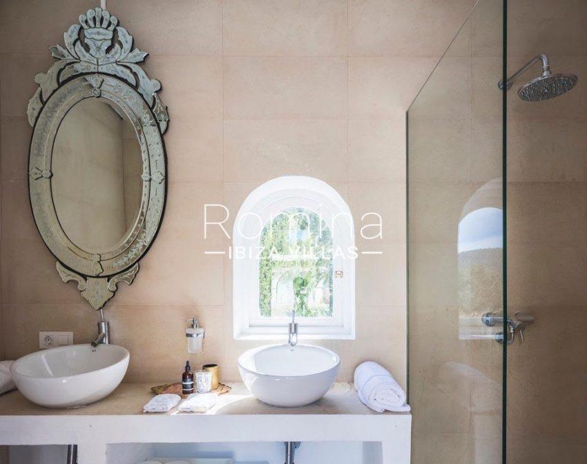 villa everland ibiza-5shower room