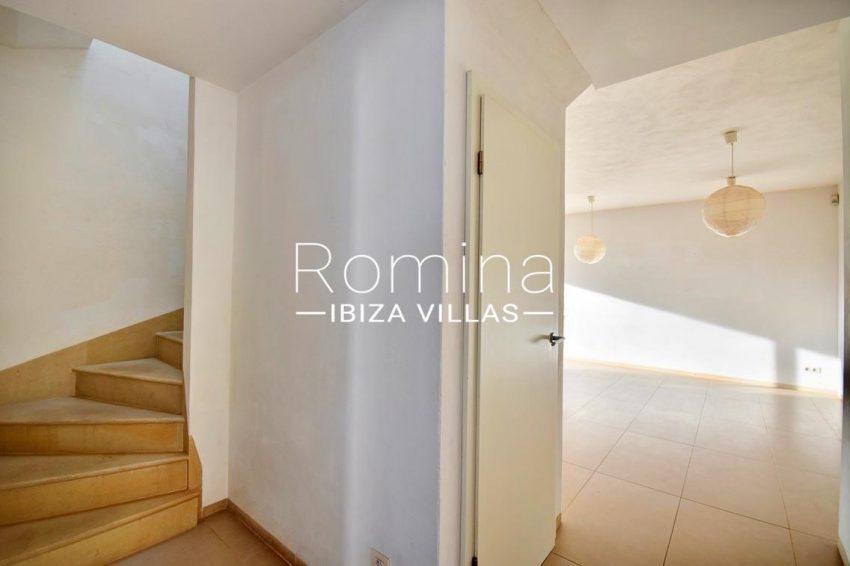 adosado litus ibiza-3hall staircase