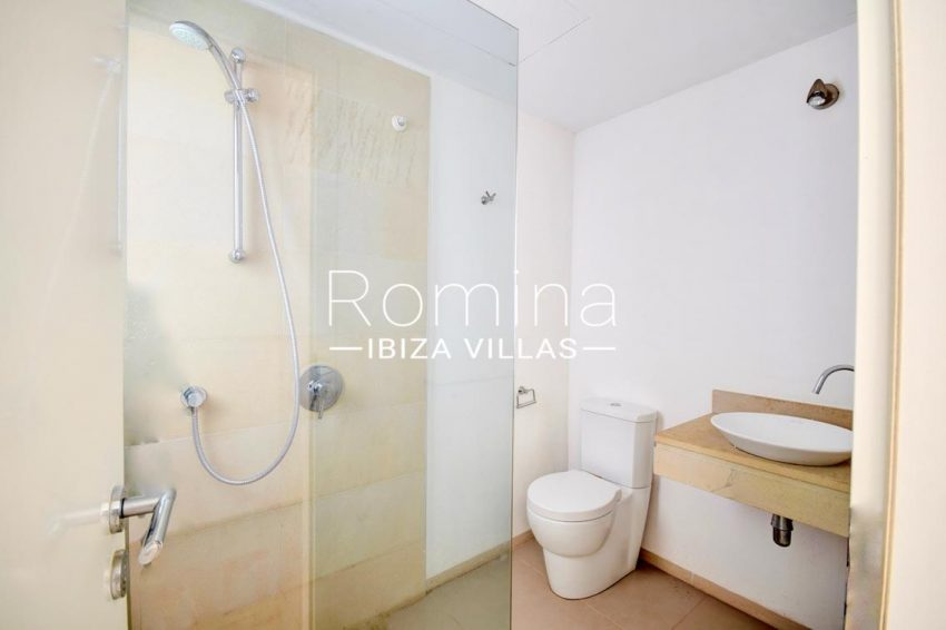 adosado litus ibiza-5shower room