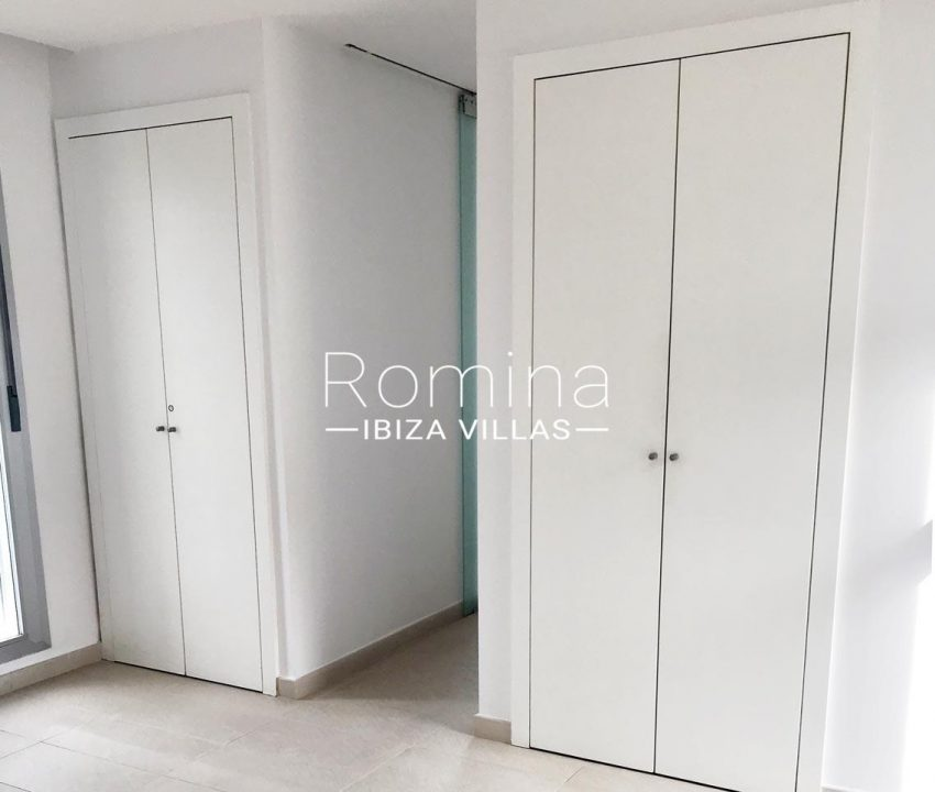 apto canto ibiza-4bedroom wardrobes