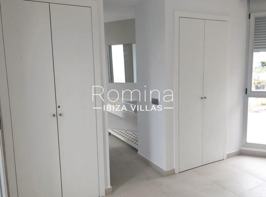 apto canto ibiza-4bedroom wardrobes bathroom