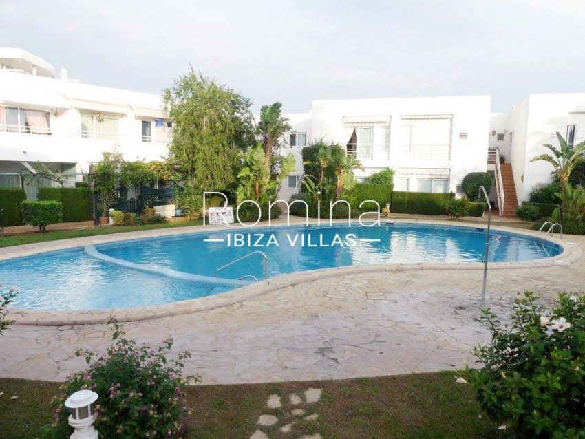 apto playita ibiza-2community pool2