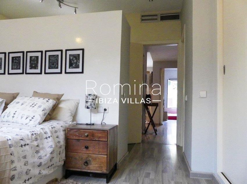 apto playita ibiza-4bedroom1corridor