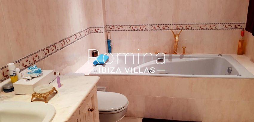 atico marra ibiza-5bathroom