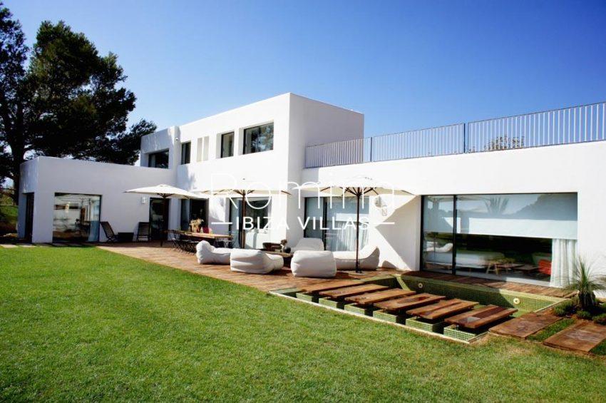 casa nema ibiza-2lawn facade