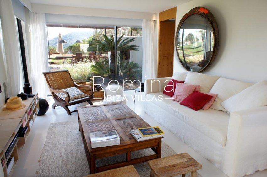 casa nema ibiza-3living room guest house