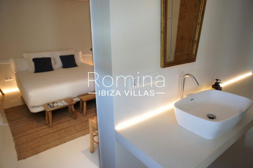 casa nema ibiza-4bedroom double bathroom