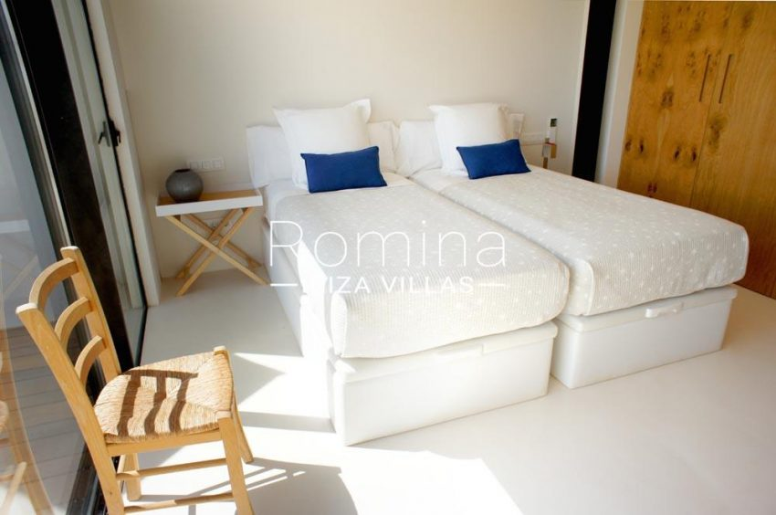 casa nema ibiza-4bedroom twin cupboard